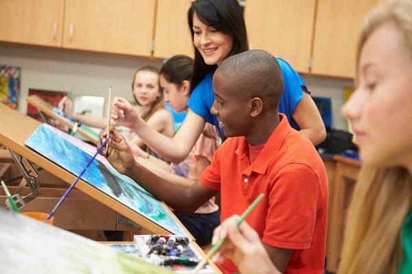 Getting Into Art School: 5 Helpful Tips
