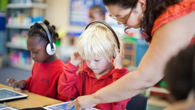 Benefits of using technology in the classroom